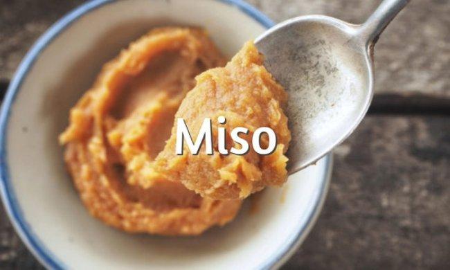 Miso, qué es, tipos, propiedades y recetas
